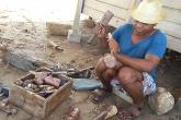 Tesař - výroba dřevěných baobabů