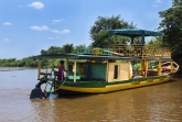 Motorová loď - řeka Tsiribihina
