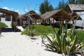 Restaurace u bungalovů v Anakao