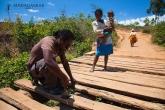 Oprava mostu cestou do NP Andringitra