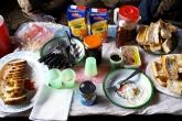 Snídaně během treku v parku Andringitra