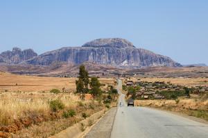 Biskupův čepec - RN7 - centrální Madagaskar